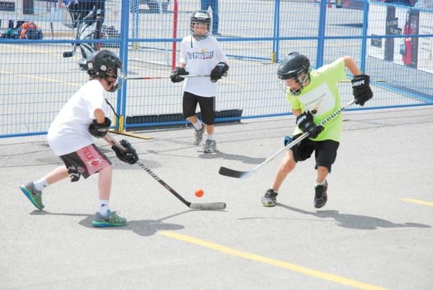 Street Hockey Tournament Another Smash Hit At Balzac Mall