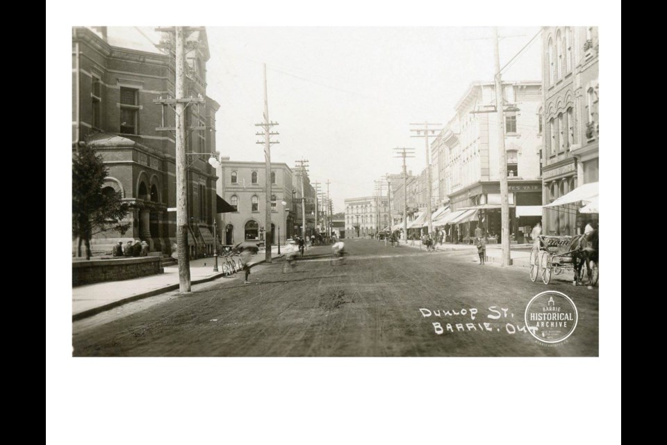Dunlop St. E. at Owen St. with the post office on the left. Circa 1900. Photo courtesy of the Barrie Historical Archive
