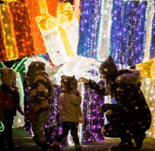 2018-09-27 Christmas Glow Barrie