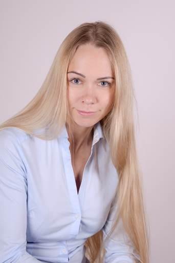 2018-05-16 Stacey Surkova