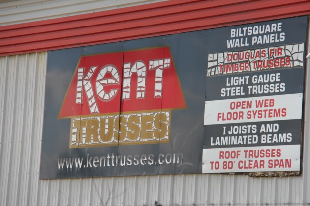 kent trusses sign 1 turl 2016