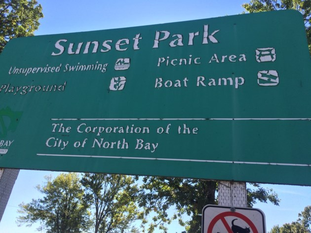 sunset park sign turl