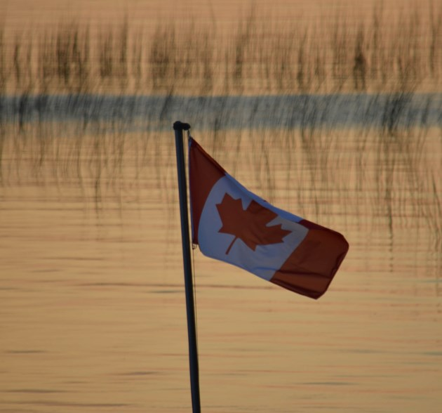 20180912 flag walton
