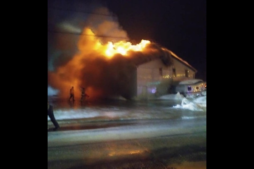 Thursday night fir at Muskoka Auto Parts in sundridge. Courtey Tammy Lyn/Facebook.
