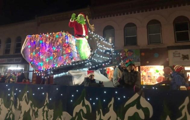 renfrew santa parade