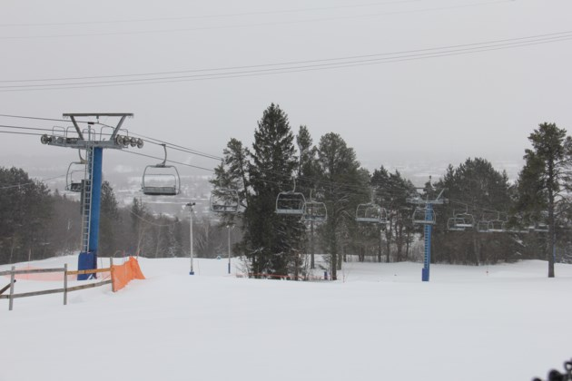 20180204 Laurentian chair lift 3 turl