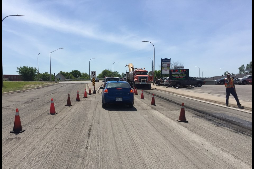 Lakeshore Drive overpass is undergoing a shave and pave. Jeff Turl/BayToday