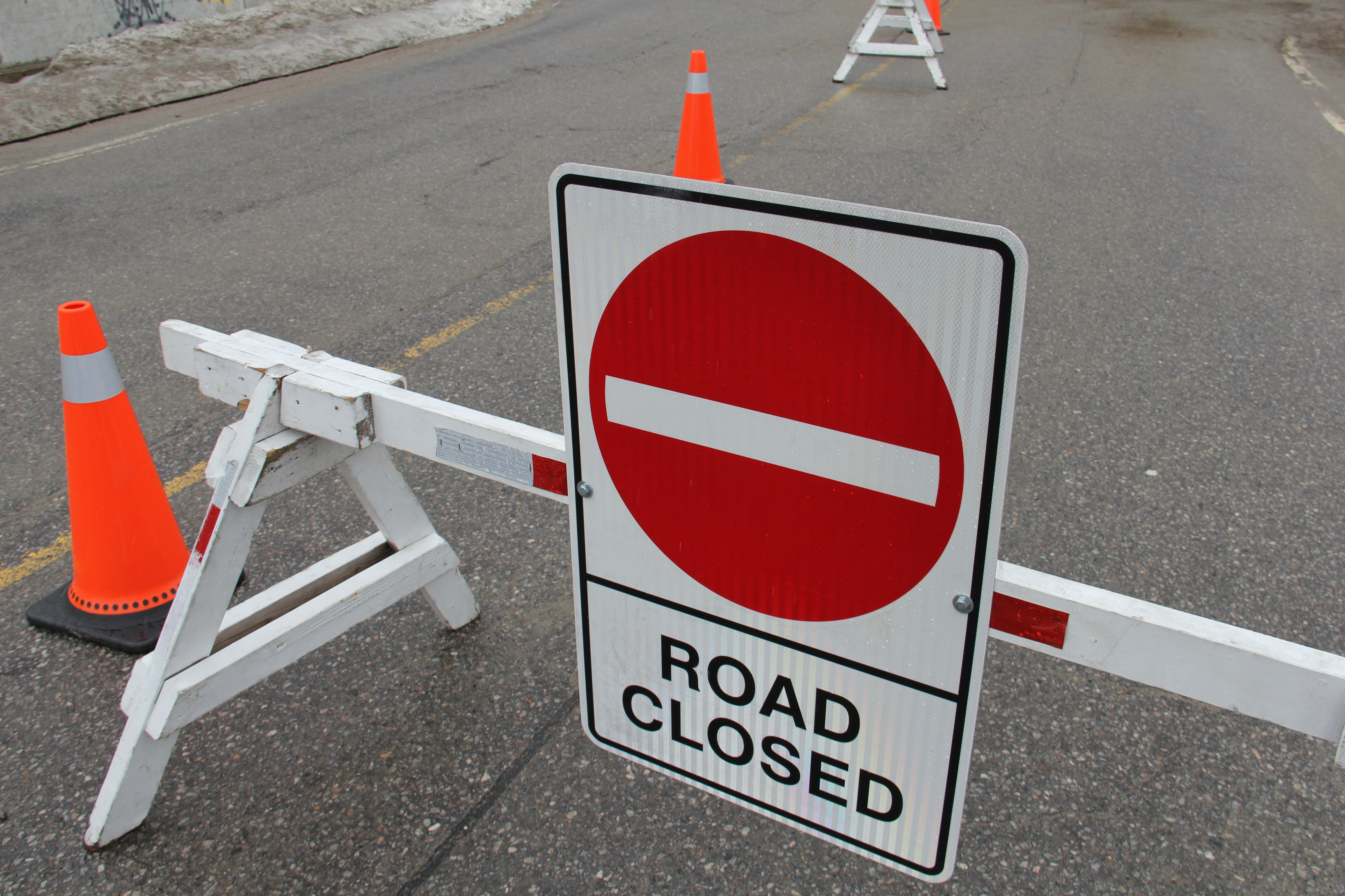 Traffic update water main installation will close part of prete st for most of the month