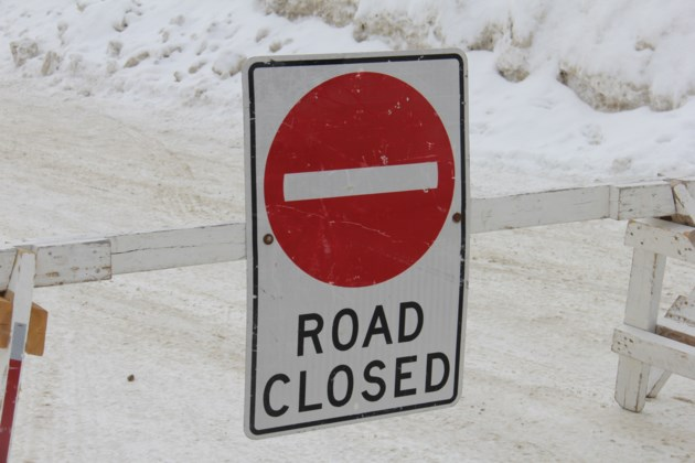 road closed sign winter turl 2016