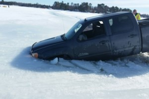 Truck goes through the ice on Lake Nipissing