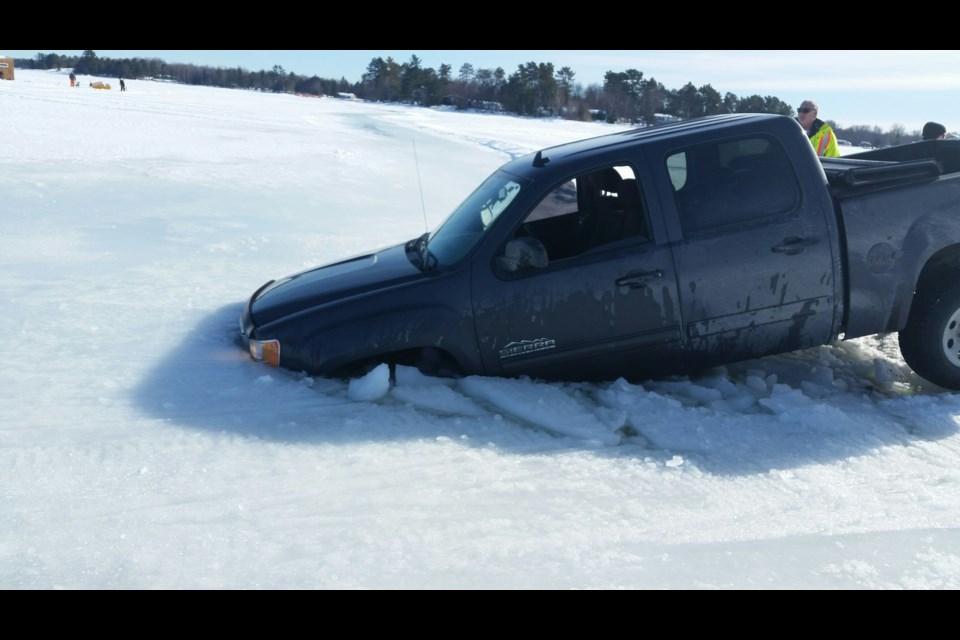 Truck goes through the ice on Lake Nipissing Lakenipissingtruckfeb20171