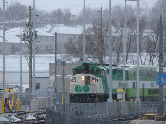 2018-11-28-bradford go train snow2