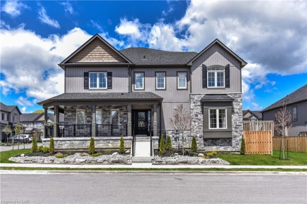 2 Forest Heights Crecent