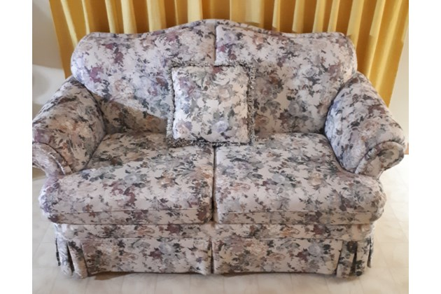 Loveseat cropped