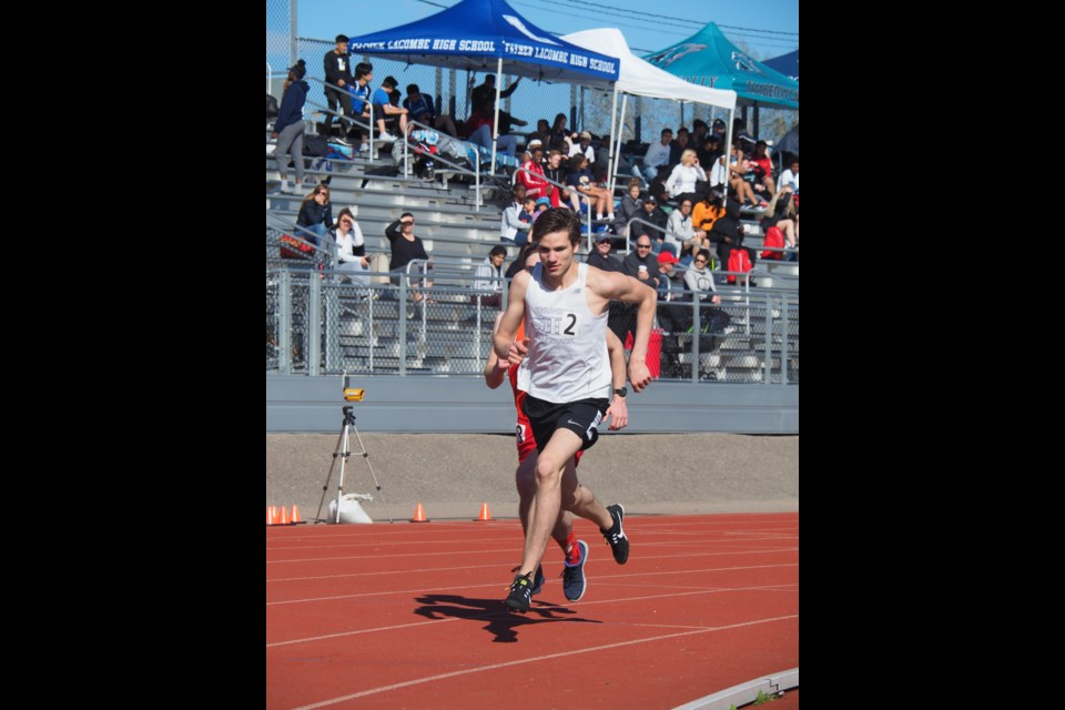 Eric Swedlo competes in the CSHSAA Blue Divisional Meet on May 15 at Foothills Track in Calgary.