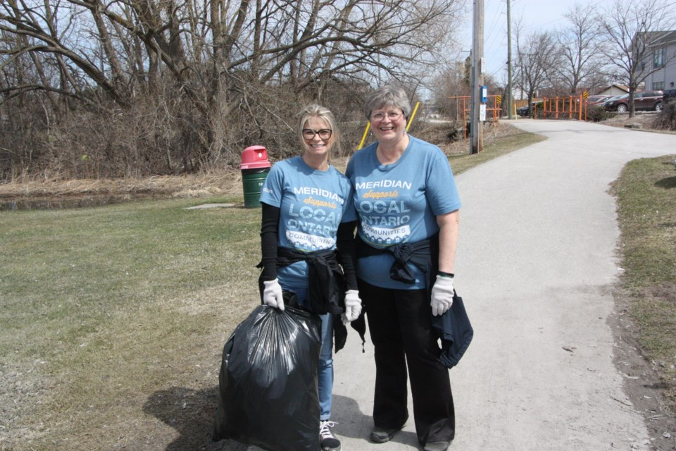 Volunteers came to Harbourview Park for today's Community Clean-up event, picking up trash along the trails and waterfront. Erika Engel/CollingwoodToday
