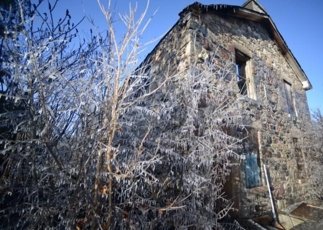 Monday night blaze was abandoned farmhouse (6 photos)