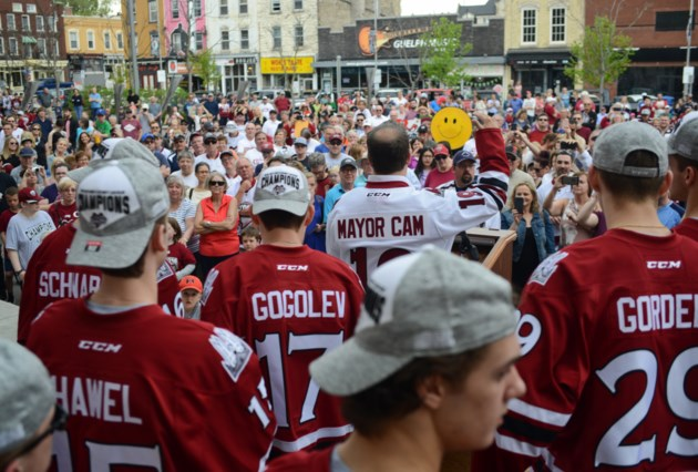 Guelph Storm celebrates with fans at season-ending rally (15 photos)