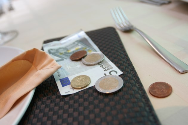 a research on the norms and issues of the practice of tipping Research we first review the issues surrounding cultural convergence and divergence norms, and behavioral patterns of a national group – has become.