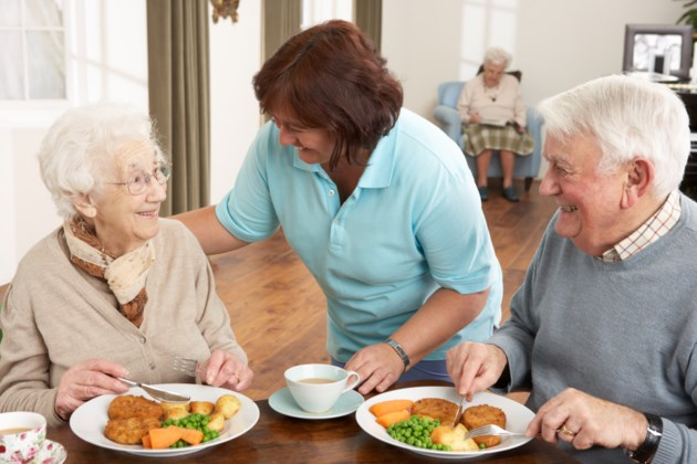 091818-meals on wheels-seniors home-retirement-assisted living-AdobeStock_30838671