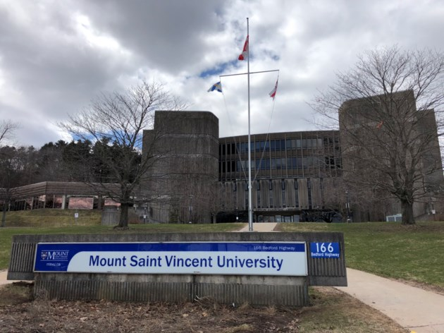 042318-IMG_5610-msvu-mount saint vincent university