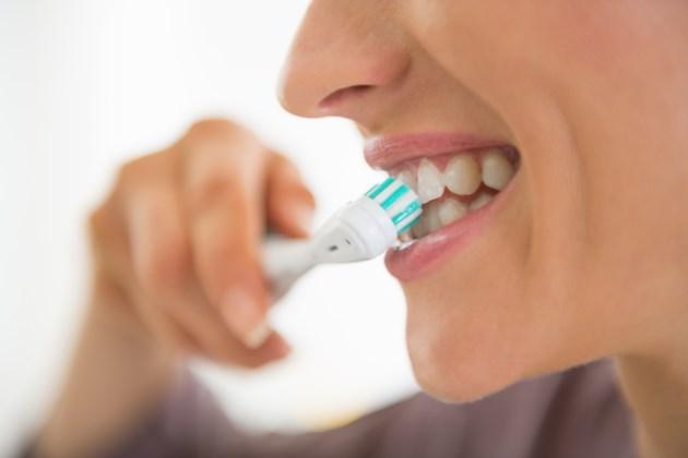070319-oral care-teeth-dentist-toothbrush-toothpaste-brush teeth-AdobeStock_64100095