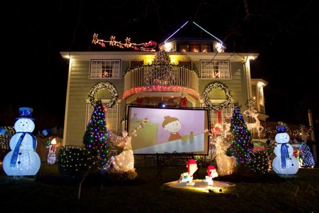 101317-christmas decorations-christmas lights