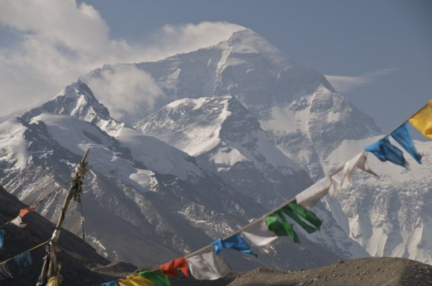 Indian mountain climbers die near the summit of Mount Kanchenjunga