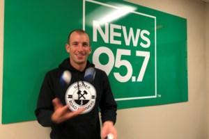 Halifax man sets unofficial 10K joggling world record