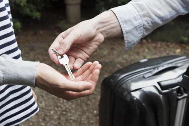 030719-tourism-airbnb- air bnb-short term rental-AdobeStock_123310130