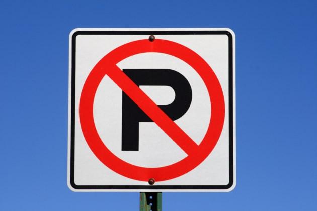 030619-no parking-AdobeStock_137732698