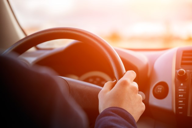 121718-driver-driving-car-vehicle-AdobeStock_135739637