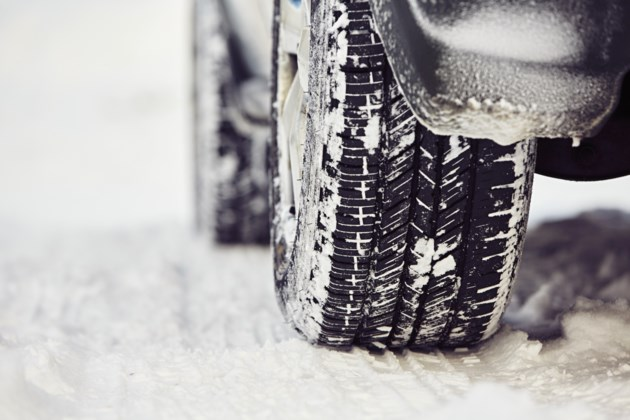 032618-snow tire-winter tire-driving-AdobeStock_77626080-MG