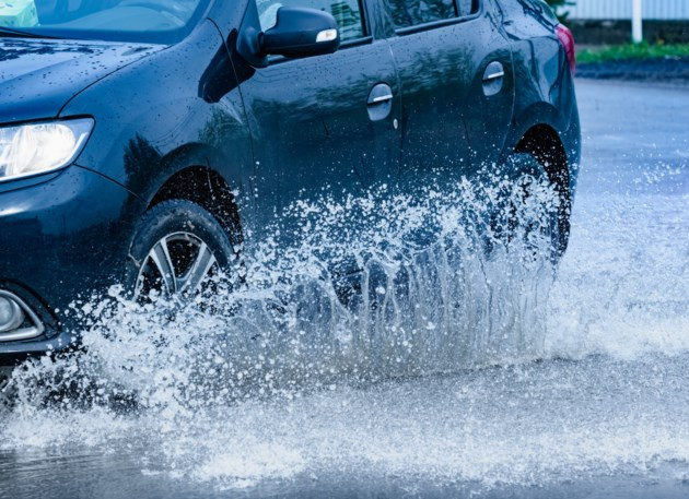 100318-rain-puddle-flooding-AdobeStock_205105643