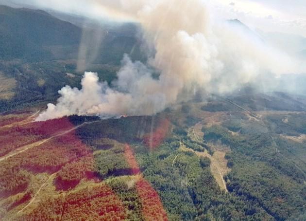 nanaimo-lakes-wildfire