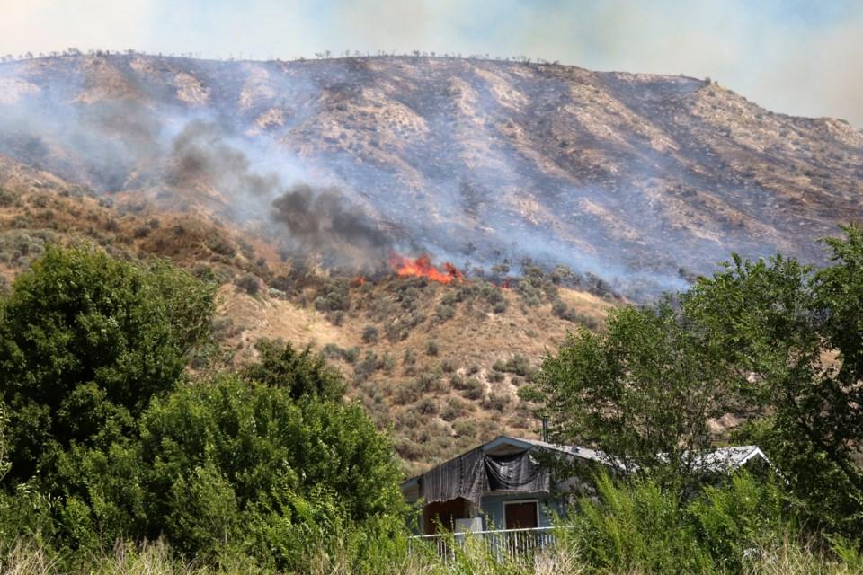 The wildfire originated around 830 Shuswap Rd. (via Eric Thompson)