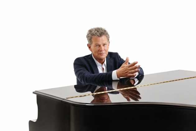 David Foster to play show in Kitchener