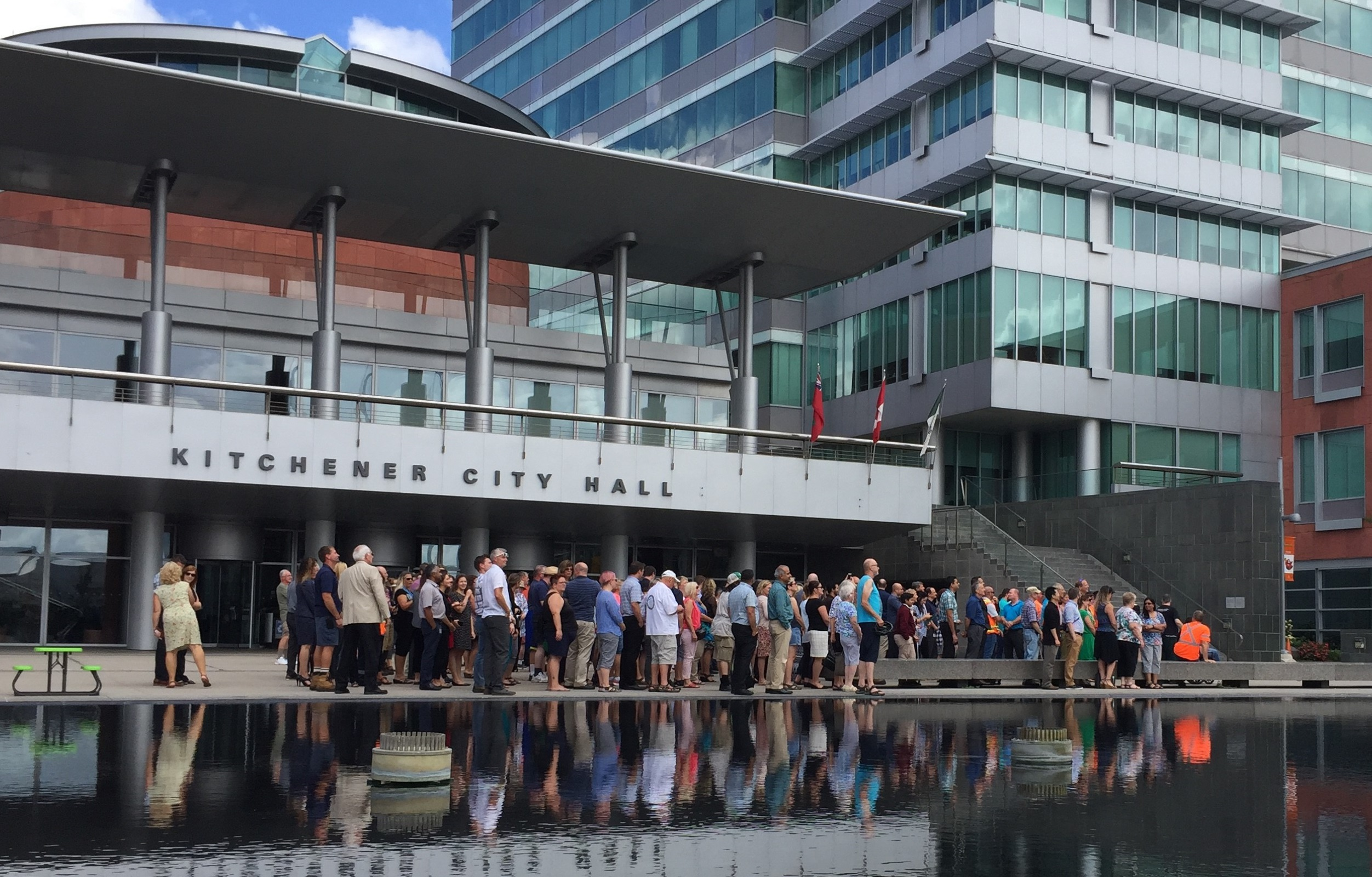 Residents celebrate Kitchener City Hall's 25 year