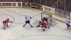 VIDEO: Hounds can't hold on against Steelheads