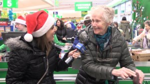 VIDEO: Grocery store shoppers get huge holiday surprise