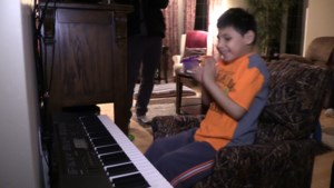 VIDEO: On the first day of Christmas, watch Carter's joy with holiday surprise