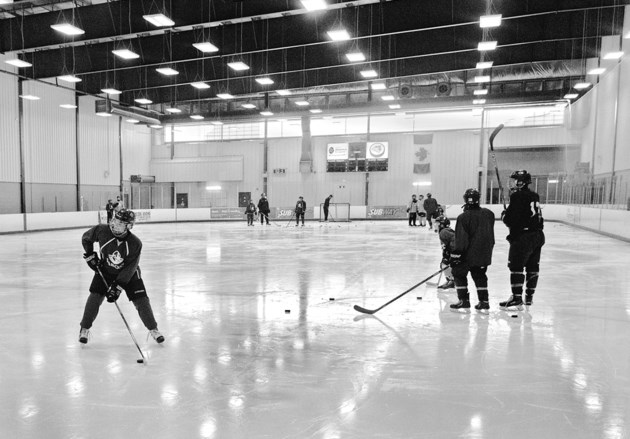 cl092216hockeyBMO