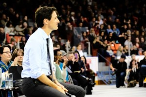Trudeau engaging, humorous in town hall meeting in Dartmouth
