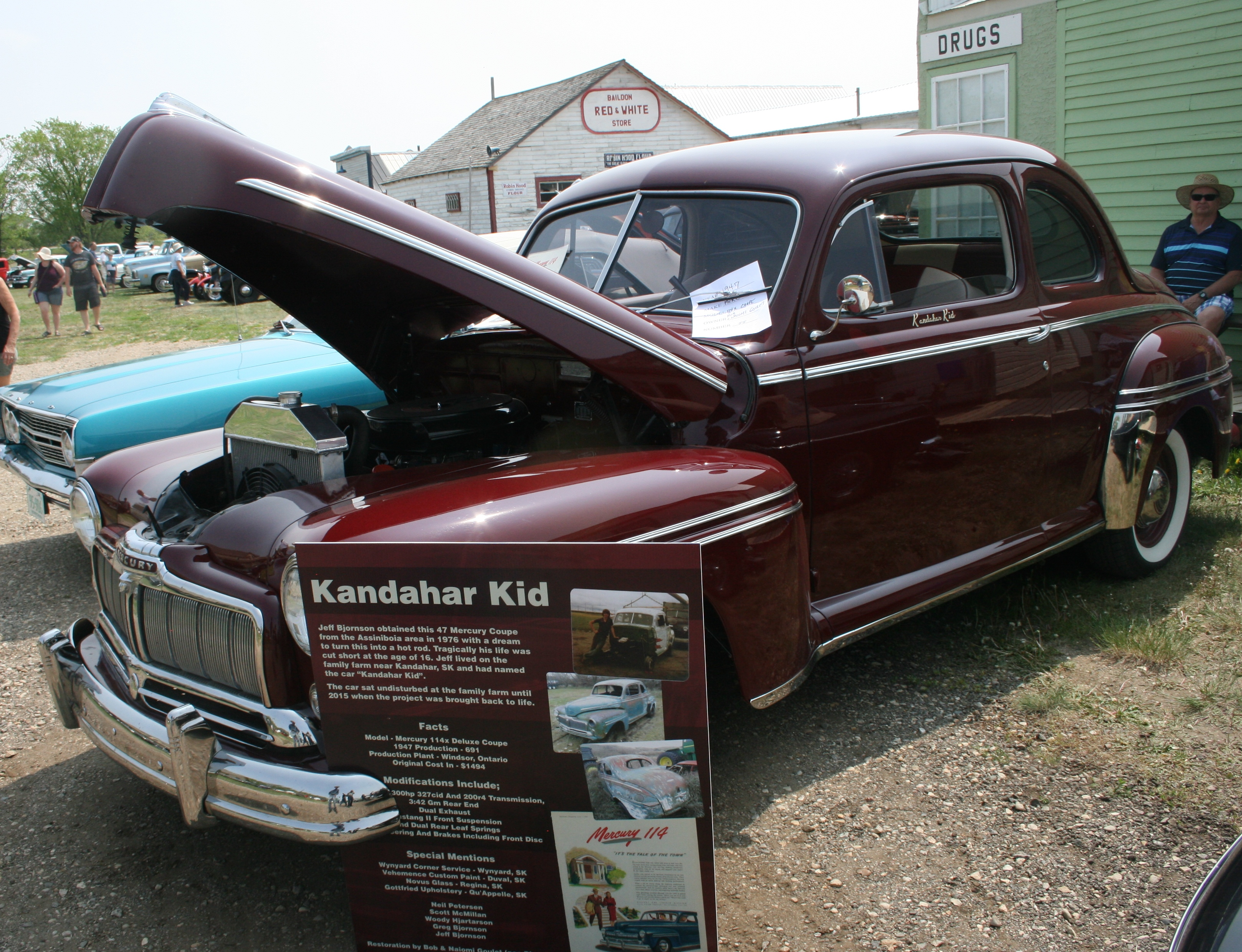 Vintage car owners like to talk about their special vehicles