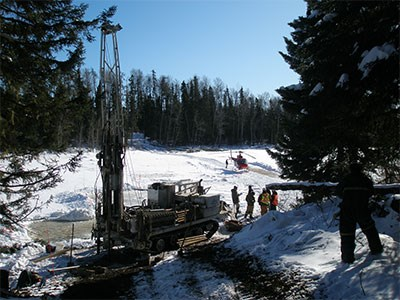 Trackmounted-drill_Cropped