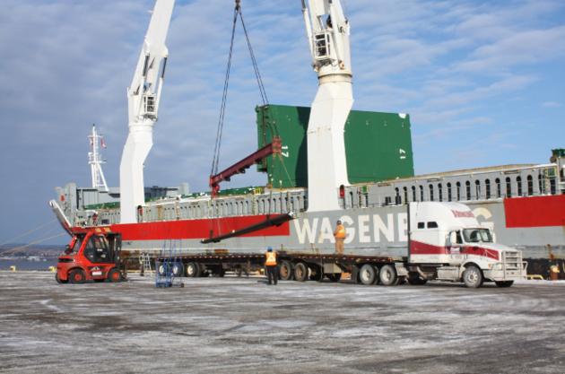 Vikingbank unloading steel