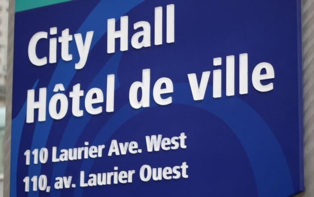 2018-02-28 Ottawa City Hall1 MV
