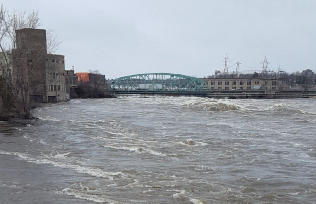2019-04-28 chaudiere bridge closure flood ottawa