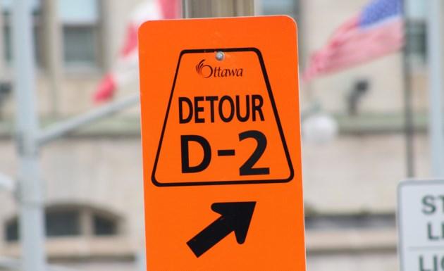 2018-02-28 Ottawa road detour sign1 MV