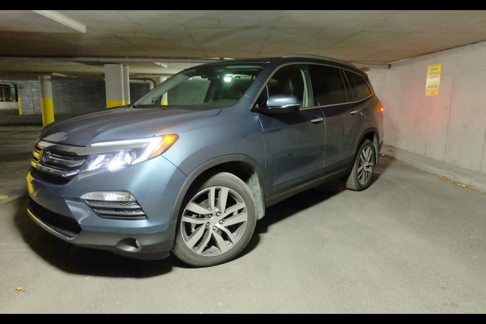 The 2016 Honda Pilot's new styling is decidedly modern, if somewhat bland. Credit Frédérick Boucher-Gaulin